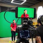 INSTAGRAM: @lainfanteriamx using our CAME-TV Boltzen 150w lights to light up a green screen scene!  #cametv #boltzen #ledlight #daylight #greenscreen #lighting #filmmaking